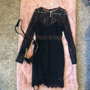 NWT Lovers + Friends Black Lace Bodycon Dress L